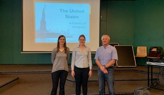 Besuch des amerikanischen Konsulats – Meet US an der HOLA