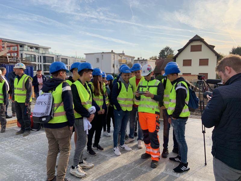 14 Holaner/innen nehmen an Praxistag in der Baubranche teil