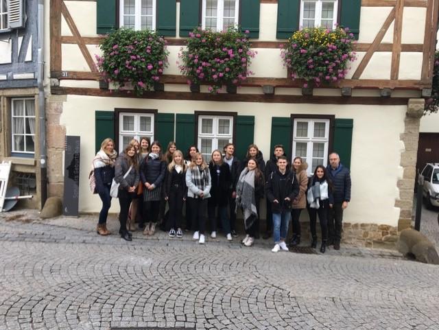 HOLAner feiern Schillers Geburtstag in Marbach
